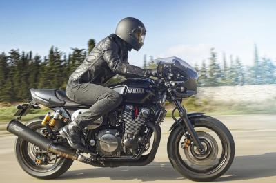 Nouveauté 2015 - Intermot - Yamaha XJR 1300 et XJR 1300 Racer