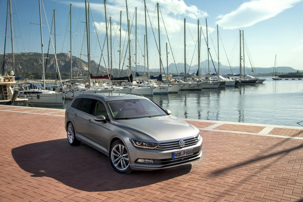 essai nouvelle volkswagen passat sw a la fronti re du premium. Black Bedroom Furniture Sets. Home Design Ideas