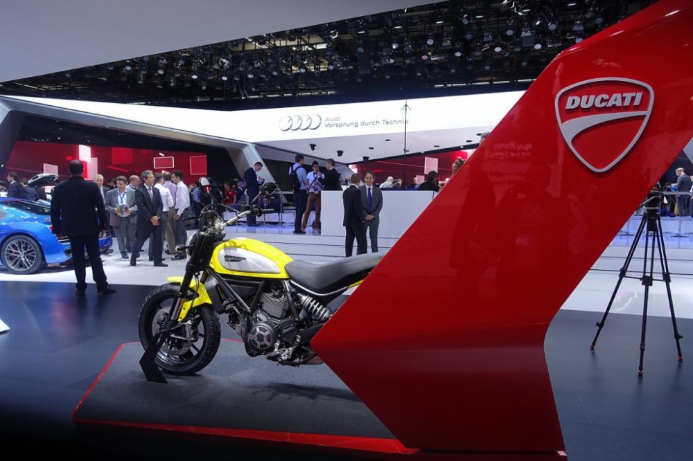 Ducati : Scoop ! Scrambler est une marque (jaune), pas un modèle...