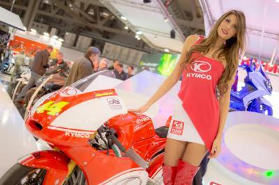 Les hôtesses du Salon de la Moto de Milan