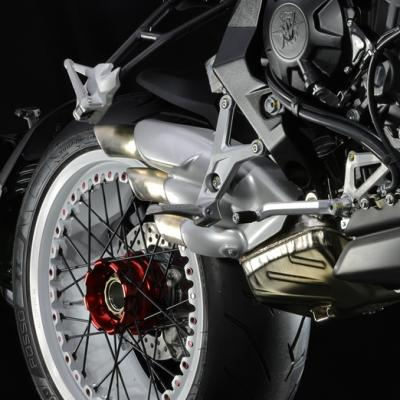 Pirelli Diablo Rosso II en première monte sur les MV Agusta Brutale et Dragster 800 RR
