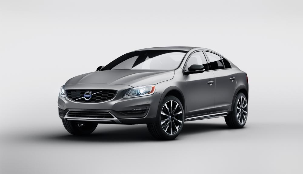 Volvo S60 Cross Country 2015 (officiel)