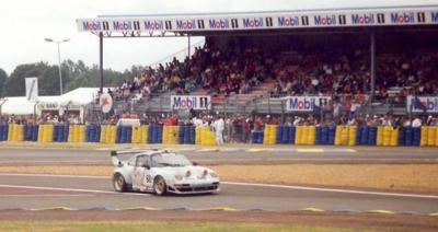 "Porsche 911 GT2 ""artcar"" par Wolinski"
