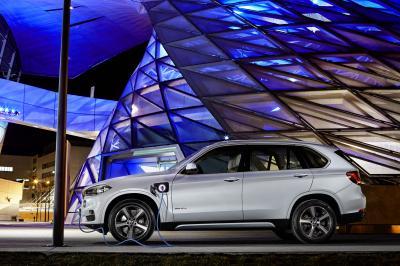 BMW X5 xDrive40e (2015)