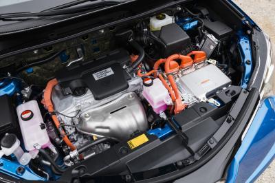 Toyota RAV4 restylé 2015 (officiel)