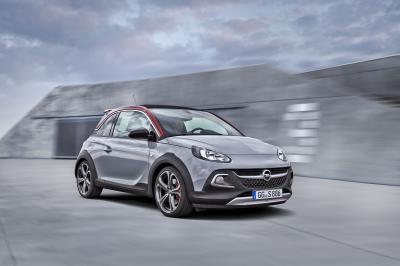 Opel Adam Rocks S: en jogging et crampons