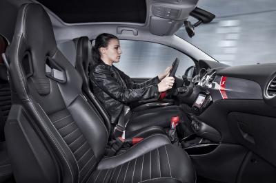 Opel Adam Rocks S 2015 (officiel)