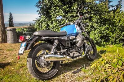 Essai Moto Guzzi V7 II Stone - Special
