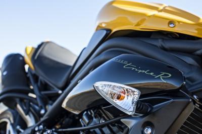Triumph Speed Triple 94 et 94R : série spéciale 21 ans