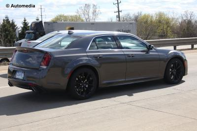 Chrysler 300 SRT (mai - 2015)