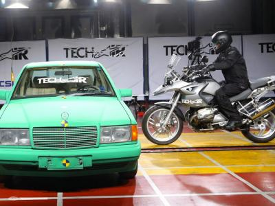 L'airbag Alpinestars équipera des vestes BMW dès 2015