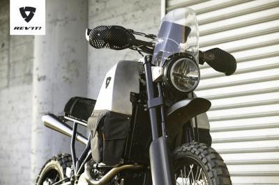REV'IT!#95 : le néerlandais dévoile sa moto à deux roues motrices