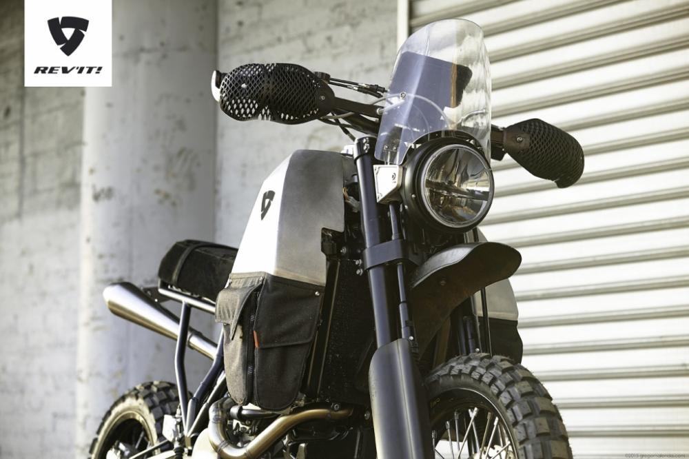 albums photos rev it 95 le n erlandais d voile sa moto deux roues motrices. Black Bedroom Furniture Sets. Home Design Ideas