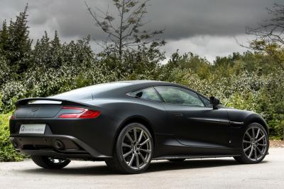 "Aston Martin Vanquish ""One of Seven"" 2015 (officiel)"