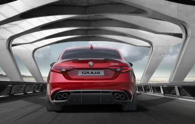 Alfa Romeo Giulia 2015 (officiel)
