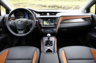 Toyota Avensis Touring Sports 2015 (essai)