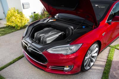 Tesla Model S (officiel)
