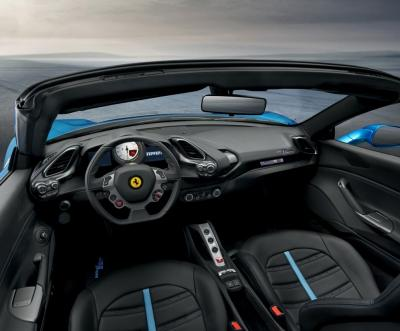 Ferrari 488 Spider (officiel)