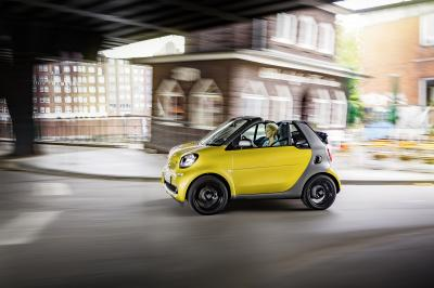 Smart ForTwo cabrio 2016 (officiel)