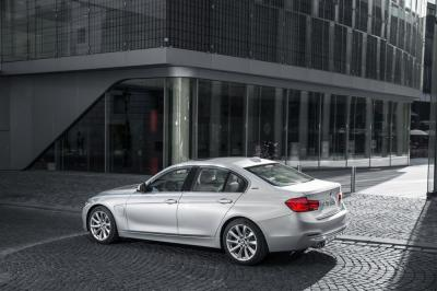 BMW 330e 2016 (officiel)