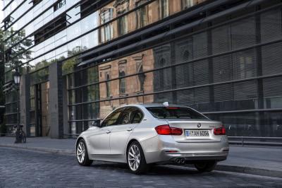 BMW 330e 2016 (officiel)