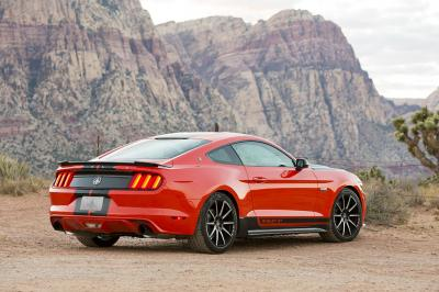 Ford Mustang EcoBoost 2015 par Shelby (officiel)