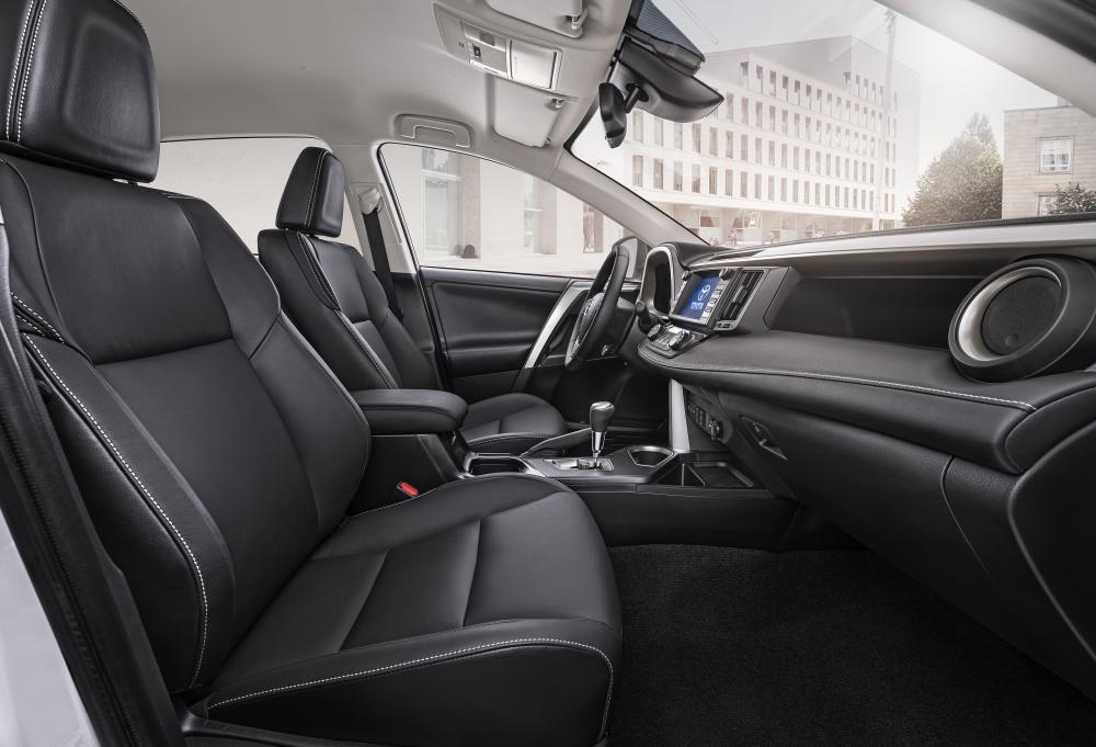 Toyota RAV4 Hybrid 2015 (officiel)