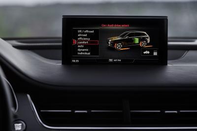 Audi Q7 etron 2016 (officiel)