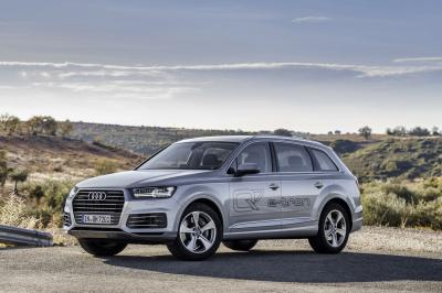 Audi Q7 etron 2016 (officiel)
