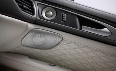 Lincoln MKZ restylée