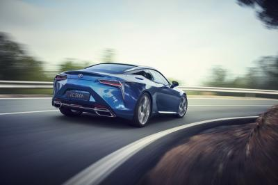 Lexus LC 500h 2016 (officiel)