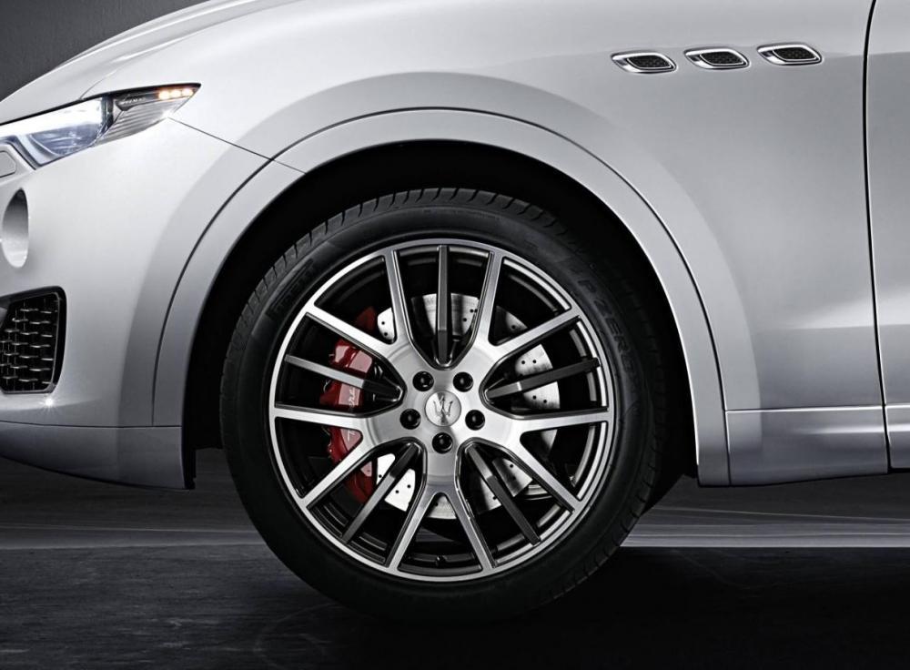 Maserati Levante 2016 (officiel)