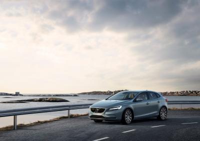 Volvo V40 2016 (officiel)