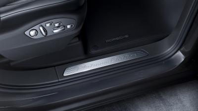 Porsche Cayenne Platinum 2016 (officiel)