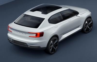 Volvo 40.1 et 40.2 (officiel)
