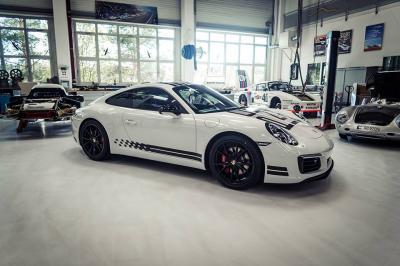 Porsche 911 Carrera S Endurance Racing Edition 2016 (officiel)