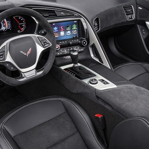 Chevrolet Corvette C7 Stingray Spice Red, Twilight Blue et Jet Black Suede