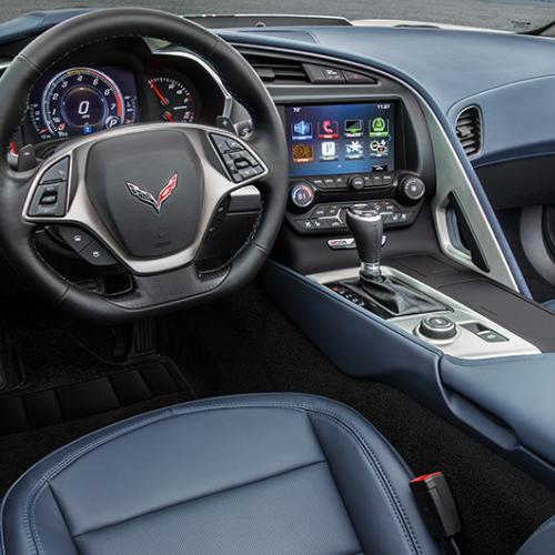 Chevrolet Corvette C7 Stingray Spice Red, Twilight Blue et Jet Black Suede