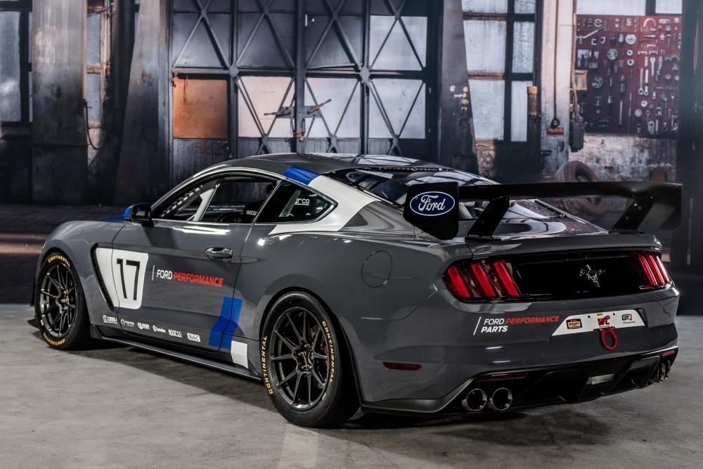 Ford Mustang GT4 2017