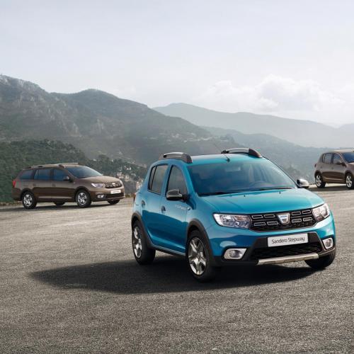 Dacia Sandero et Logan restylées : les photos en direct du Mondial