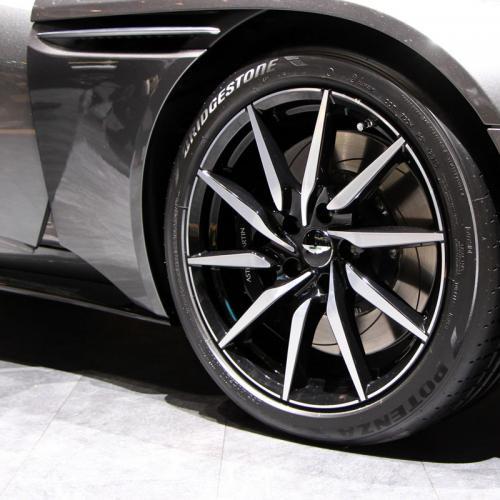 Aston Martin DB11 : les photos en direct de Genève