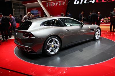 Ferrari GTC4Lusso : toutes photos en direct de Genève
