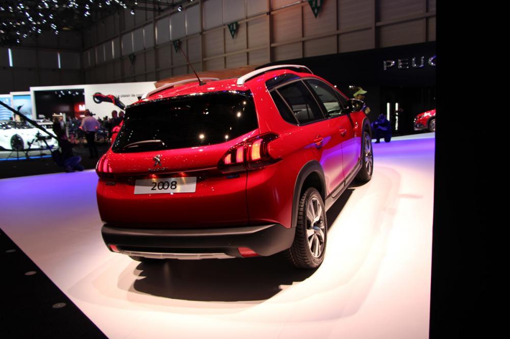 Peugeot 2008 restylée : les photos en direct de Genève