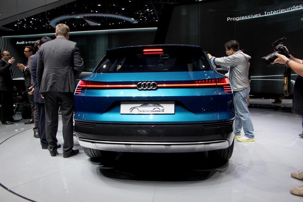 Audi e-tron quattro concept : les photos à Francfort