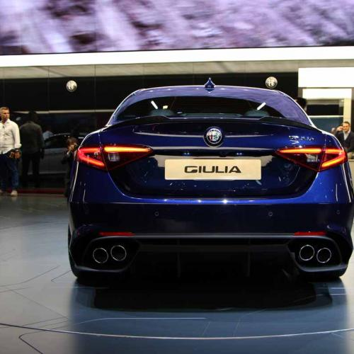 Alfa Romeo Giulia QV : les photos en direct de Francfort