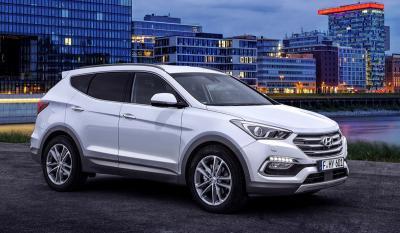 Hyundai Santa Fe restylé et i20 Active : les photos