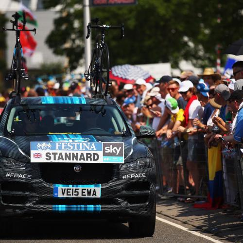 Le Jaguar F-Pace au Tour de France
