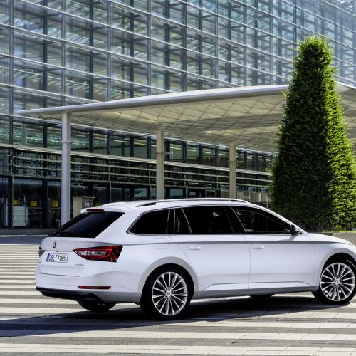 Skoda Superb Combi : le plein de photos