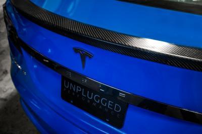 Tesla Model S par Unplugged Performance