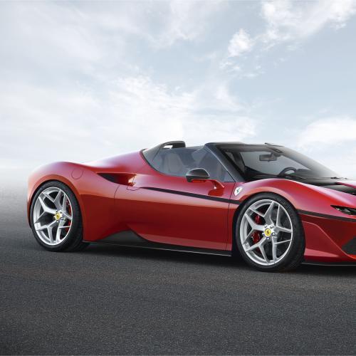Ferrari J50 (officiel - 2016)